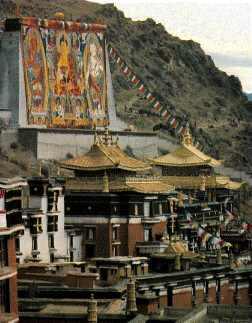 El lamasterio de Tashilunpo en Shigatsé, Tíbet Central